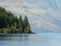 Lake Wakatipu - Queenstown   X