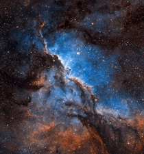 Large emission nebula currently above us in Southern Hemisphere
