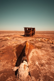 Last chance to sea the rusty boats of Aral Sea  Kazakhstan  Central Asia - La Dent de LOeil