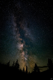 Late last summer as the MW season was closing I found myself driving frantically around a small town atop a local mountain searching for skies dark enough to grab one last look at the galactic center I finally gave up pulling over and snapping a few shots