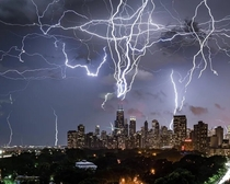 Lightning strikes over Chicago Photo credit to ebeermat