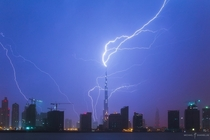 Lightning strikes the Burj Khalifa Dubai