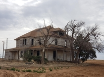 Long abandoned farm house south of Plainview Texas