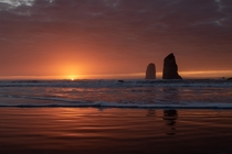 Long time lurker first time postinga rare Cannon Beach sunset in winter Oregon