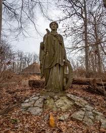 Lost Statue at National Park Seminary