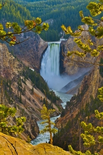 Lower Yellowstone Falls  by KKimages
