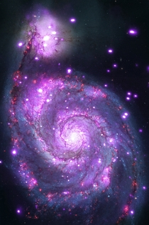 M Chandra Captures Galaxy Sparkling in X-rays