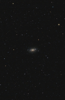 M Sunflower galaxy and its foreground