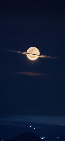 Magnificent capture of moon appearing as Saturn added a filter and zoom to make it pizazz
