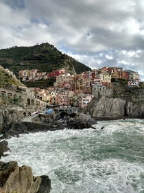 Manarola in the Cinque Terre So pretty I cant believe I took this with my cell phone