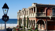 Manhattan Beach CA mansion taken with Sony A  Does anyone know the history