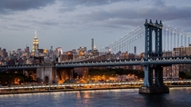 Manhattan Bridge and midtown skyline New York