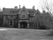Mental hospital which catered to the rich and famous including Marilyn Monroe Jackie Gleason Zelda Fitzgerald Rumored to be haunted Tioronda Mansion or the Craig House in Beacon New York x