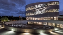 Mercedes-Benz Museum Stuttgart by UNStudio