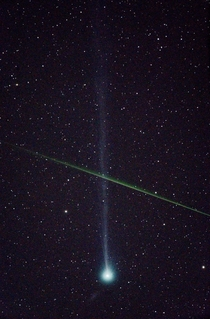 Meteor crosses Comet SWAN Photo credit Ian Griffin