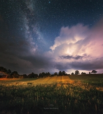 Milky Way and thunderstorm over Mn Denmark