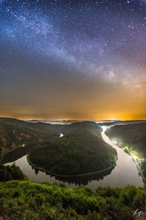 Milky way over the Saar Rriver Germany Photo by Felix Gross