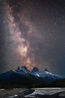 Milky Way over The Three Sisters AB
