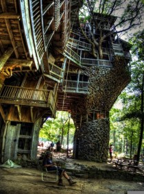 Ministers Tree House the worlds largest tree house in Crossville TN