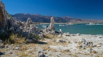 Mono Lake looks like it could be another planet