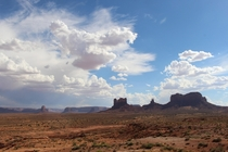Monument Valley - Love the Western Skies
