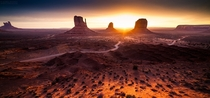 Monumental - dawn on the beautiful Monument Valley AZNavajo Nation  photo by Aurel Manea x rUnitedStatesofAmerica