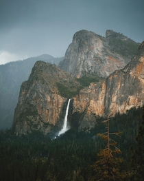 Moody light before the thunderstorm Yosemite National Park CA  Instagram grantplace