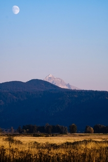 Moon rise over Mt Hood Photo taken from Steigerwald Lake Wildlife Refuge WA