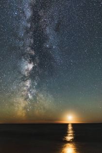 Moon set with Milky Way over Lake Superior ON Canada Photographer Andrew Caitens OC
