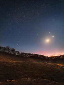 Moon Venus and Pleiades conjunction over Denmark  astrorms