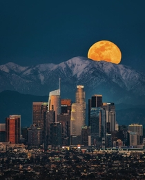 Moonset over Los Angeles