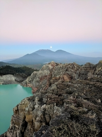Moonset over the worlds largest acidic lake in the crater of Mt Ijen Never seen anything like it East Java Indonesia