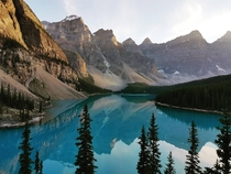Moraine Lake Alberta Canada in gorgeous evening light OC x