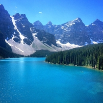 Moraine Lake in Banff Alberta