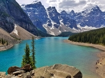 Moraine Lake ladies and gentlemen OC