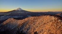 Morning glow - A breathtaking view of Mount Fuji from Mt Mitsutoge  photo by Takashi N