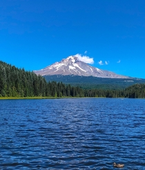 Mount Hood from Trillium Lake  IGhikedailyprn