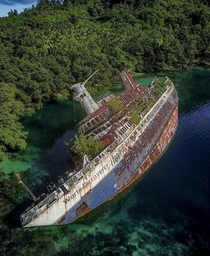 MS World Discoverer was a german expedition cruise ship It hit a uncharted reef in the sandfly passage Solomon Islands  April