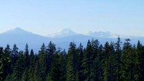 Mt Bachelor Middle and North Sisters and Brokentop Deschutes NF Oregon