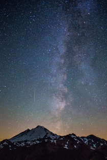 Mt Baker this morning during the Perseid meteor shower
