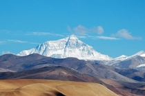 Mt Everest seen from Tingri a small village on the Tibetan plateau at around m above sea level   Joe Hastings