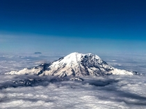 Mt Rainer from the Sky Cannot wait to get to the park