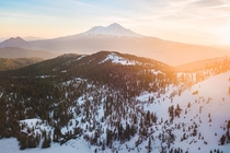 Mt Shasta California - Golden Glow on a Chilly Morning  OC  cbyeva