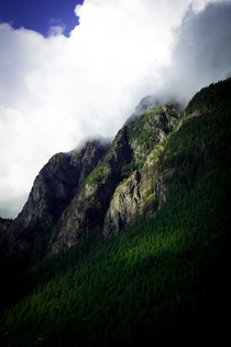 Mt Si in North Bend WA is looking O so heavenly today
