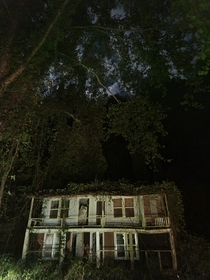 My friend sent me this pic of an abandoned house in the mountains of North Carolina