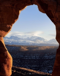 Natural framing through the Delicate Arch UT