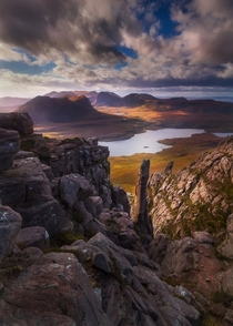 Needle in a Stac Stac Pollaidh Scotland  Photo by Dylan Toh and Marianne Lim