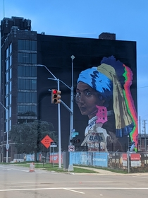 New mural in Detroit inspired by Vermeers The Girl With the Pearl Earring
