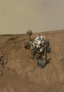 New self-portrait from Curiosity