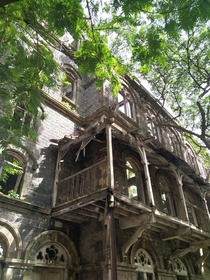 Next to an animal cemetery is this abandoned British made building in Mumbai